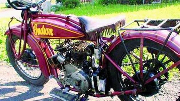 KLASIKA, KTERÁ POTĚŠÍ. V Prachaticích se o víkendu představily historické motocykly Indian. Každý, kdo se přišel podívat, nabažil do sytosti svůj zrak.