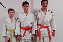 Daniel Fiala, David Strouhal a Vojta Nevšímal jedou na tréninkový sraz výběru starších žáků.