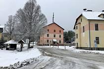 Březnový sníh na šumavské Kvildě.