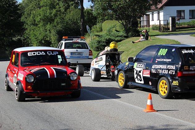 Závody automobilů do vrchu v Prachaticích mají za sebou první závod, v neděli se jede další.Foto: Ladislav Beran