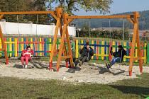 Dětské hřiště v Dubu.
