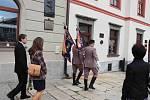 Odhalení desky na prachatickém Národním domě.