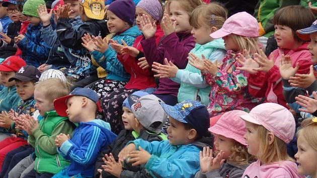 Den dětí pojali v Paraplíčku ve velkém.