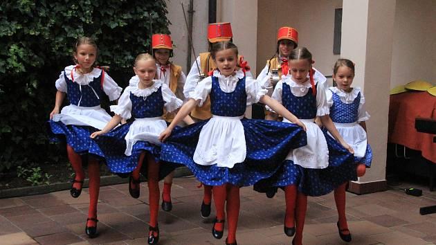 Tradiční koncert Na dvorku v ZUŠ v Prachaticích.