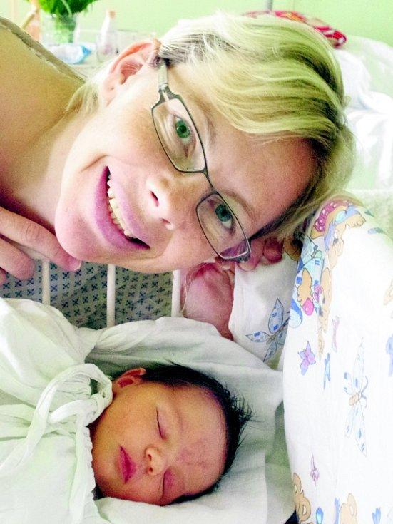Ve čtvrtek 3. května v 15:01 hodin se narodila Soňa Vojvodíková v pražském Podolí. Rodiče Romana a Roman Vojvodíkovi z ní mají velikou radost a doma se na ní těšil sedmnácti měsíční bráška Viktůrek.