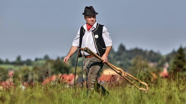 Na jubilejním desátém ročníku Volarského  sekáče se sešli vyznavači kosení.