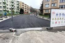 V pondělí 9. listopadu je ve Slámově ulici klid. V úterý 10. listopadu bude Strabag pokládat finální vrstvu asfaltu.