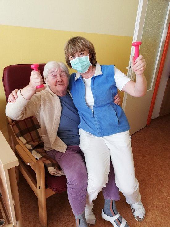 V Domově pro seniory v Milevsku nechybí radost ani v posledních týdnech.