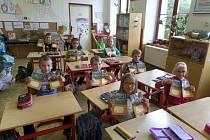 Za podpory SFŽP byly vyrobeny, kromě jiného, sešity, které využívají děti v partnerských školách Národního parku Šumava.