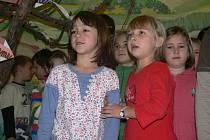 Děti si bohatý program užívaly.