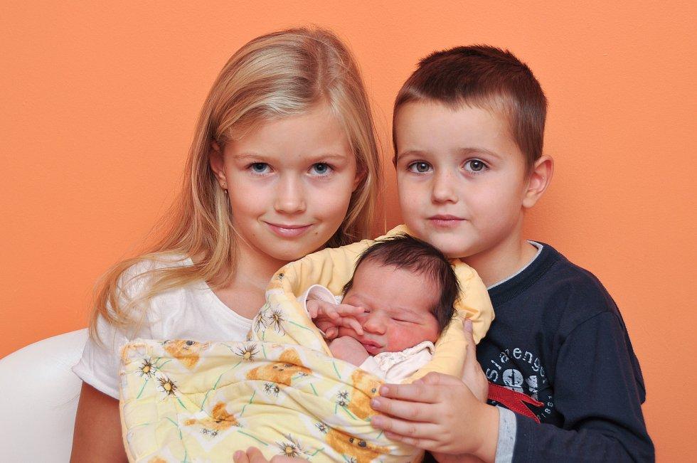 Anežka ZEMANOVÁ, Čkyně. Narodila se v pátek 26. října v 9 hodin a 5 minut ve strakonické porodnici, vážila 36300 gramů. Má sourozence Lilianku (6 let) a Davídka (4 roky). Rodiče: Alena a David.