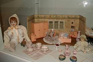 Výstavu Kde bydlí panenky můžete navštívit v Prachatickém muzeu.