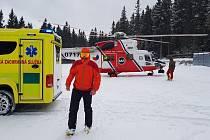 Vrtulník letěl na Zadov pro zraněného lyžaře.
