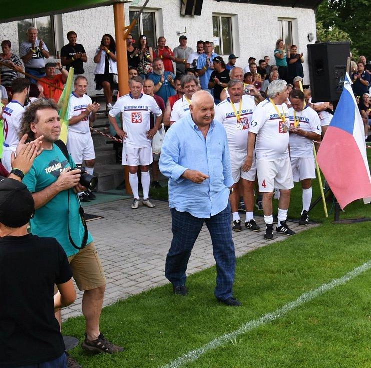 Strunkovická fotbalové exhibice znovu potěšila všechny milovníky sportu i zábavy.