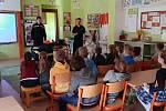 Hasiči přednášeli třeťákům ze ZŠ Vodňanská.