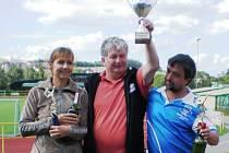 Vítězové J&B cupu s předsedou klubu O. Beerem.