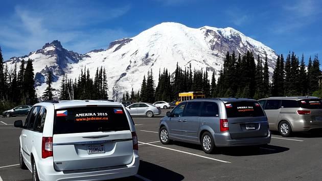 Druhý den ráno vstáváme hodně brzy. Čeká nás celodenní okruh okolo sopky Mount Rainier.