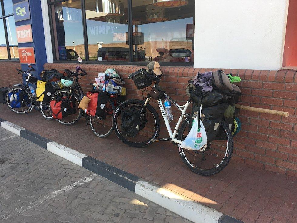 Tadeáš Šíma z Prachatic míří do cíle. Kapské Město má skoro na dohled.