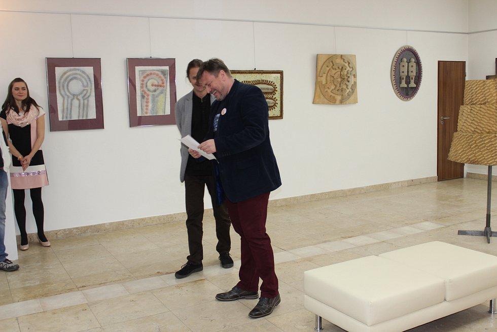 Zahájení výstavy Tomáše Perglera s názvem Svět podle Mandellíka.