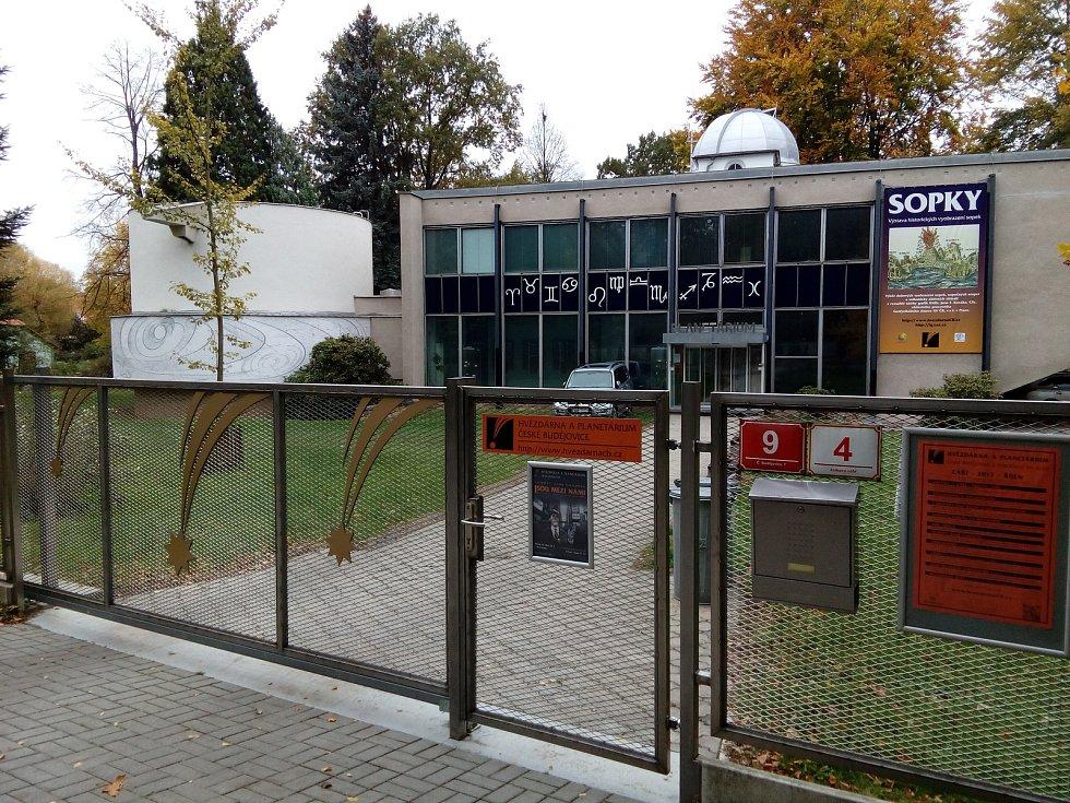 Hvězdárna a planetárium České Budějovice. Ilustrační foto