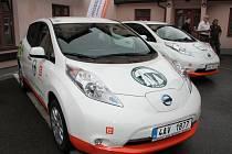 Dva nové elektromobily budou sloužit pracovníkům Správy NP Šumava.