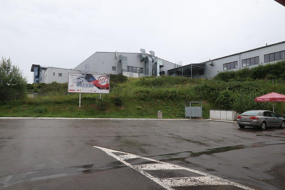 V prachatické firmě InTiCa Systems údajně pracovali zahraniční dělníci nakažení koronavirem.