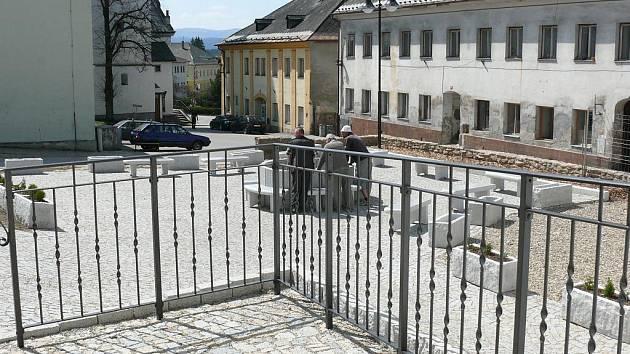 Nové náměstíčko před ZUŠ Volary