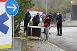 Odběrové místo pro pendlery vzniklo v bývalé budově celnice na hraničním přechodu Strážný - Philippsreut.
