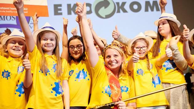 """""""Čtvrťáci, je to vaše,"""" byla první slova paní učitelky Pavlíny Kopáčikové z Vacova, když usedla na trůn pro nejlepšího učitele ČR. Právě čtvrťáci jí nominovali."""