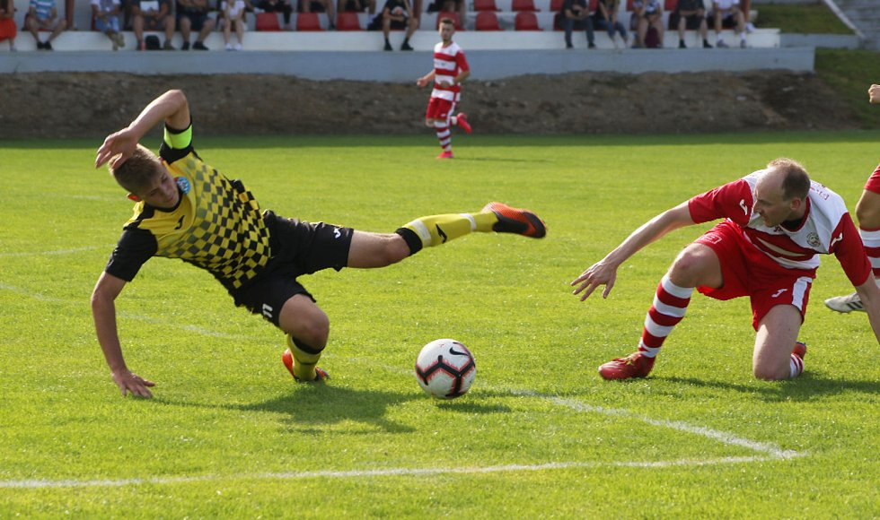 Přípravný fotbal: Lhenice - Kaplice 2:1.