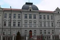 Budova Základní školy v Bavorovské ulici v Netolicích.
