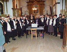 Pěvecký sbor Česká píseň koncertoval v neděli ve Vitějovicích.