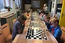 Historický první šachový turnaj v prachatickém DDM.