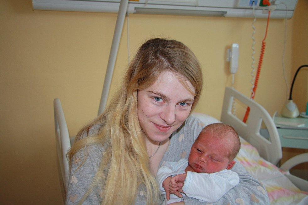 ONDŘEJ DOČEKAL, NOVÁ PEC. Narodil se ve středu 29. ledna v 11 hodin a 40 minut v prachatické porodnici. Vážil 3370 gramů. Má sourozence Jakuba (6 let) a Růženku (3 roky). Rodiče: Vladěna Kršková a Ondřej Dočekal.