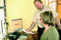 PASY. Od středy 1. dubna si zájemci mohou nechat udělat pas s biometrickými údaji. V Prachaticích mělo zájem už 35 žadatelů.