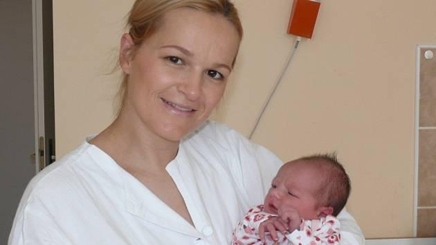 Natálie Sosnová se v prachatické porodnici narodila v pondělí 24. února v 1.45 hodin rodičům Magdě a Václavovi. Vážila 3190 gramů. Doma v Prachaticích čekali sourozenci Vašík (4 roky) a Anička (1 rok).