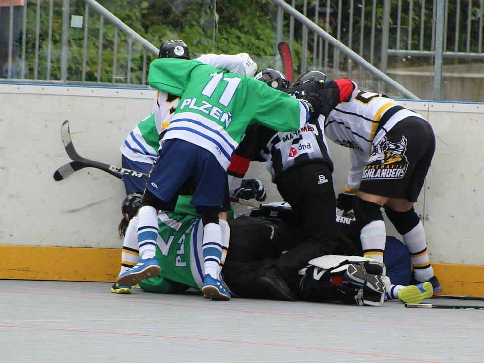 Hokejbalová 1. liga: HBC Prachatice - HBC Plzeň B 2:4.