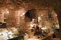 Expozice Historie vimperské větve Zlaté stezky se přestěhuje na zámek.