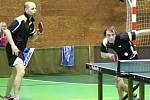 Stolní tenisté Libína Prachatice měli derby dobře rozehrané, ale tíhu zápasu nakonec neunesli a prohráli s Pedagogem 6:10.
