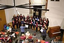 Vánoční koncert Dětského pěveckého sboru RŮŽE a Komorního sboru ROSETTA ve Čkyňské Synagoze pod vedením Mgr Jaroslava Fafejty.