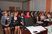 Přednášky byly určeny pro šéfy zdravotnických zařízení a ústavů sociální péče, ale i pro pracovníky ve vedoucích  pozicích na lůžkových odděleních a zároveň i pro ošetřovatelský personál.