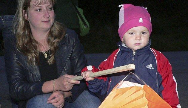 Husovy oslavy se líbily především dětem.