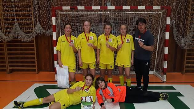Výběr starších děvčat OFS Prachatice získal druhé místo.