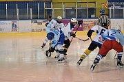 Turnaj cyklistických legend v ledním hokeji.