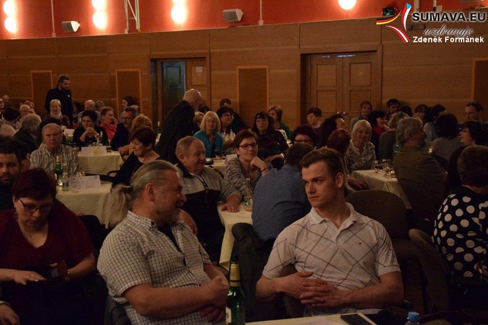 Charitativní koncert Veroniky Spiegelové a jejích hostů ve Vimperku.
