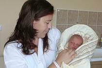 Kateřina Lukeschová se v prachatické porodnici narodila v neděli 20. července v 19.55 hodin. Při narození vážila 3530 gramů a měřila 51 centimetrů. Rodiče Věra a Vít si dceru odvezli domů, do Záblatí.