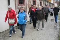 Padesát turistů z Prahy přijelo při Mezinárodním dni památek na Státní zámek Kratochvíle.