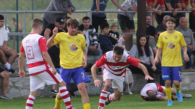 Fotbalová I.B třída: Prachatice C - Lhenice 1:0.