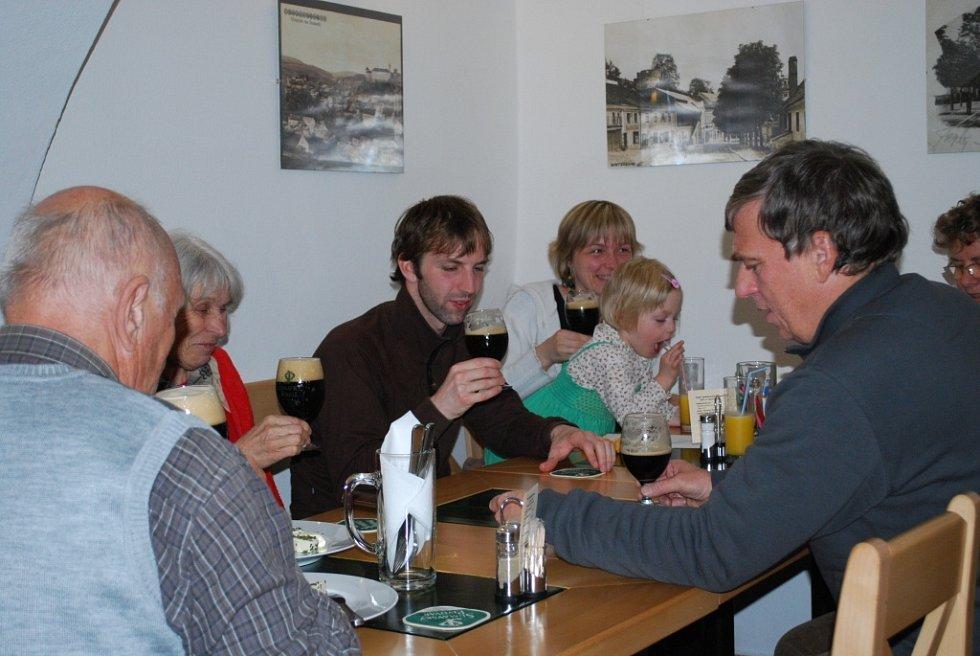 Vimperští uctili svatého Inocence při mši i u piva.