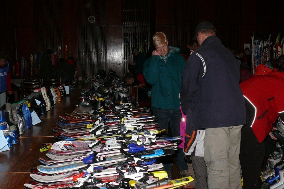 Bazar sportovních potřeb v Prachaticích.